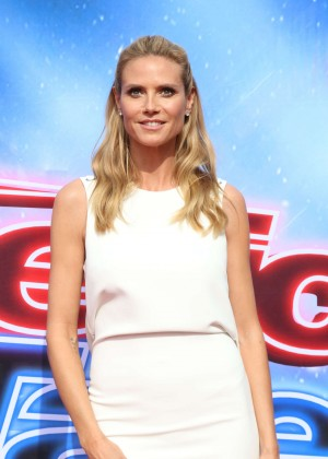 Heidi Klum - America's Got Talent Judges Photocall 2016 in Pasadena