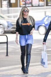 Heidi Klum - Arrives at America's Got Talent in Pasadena