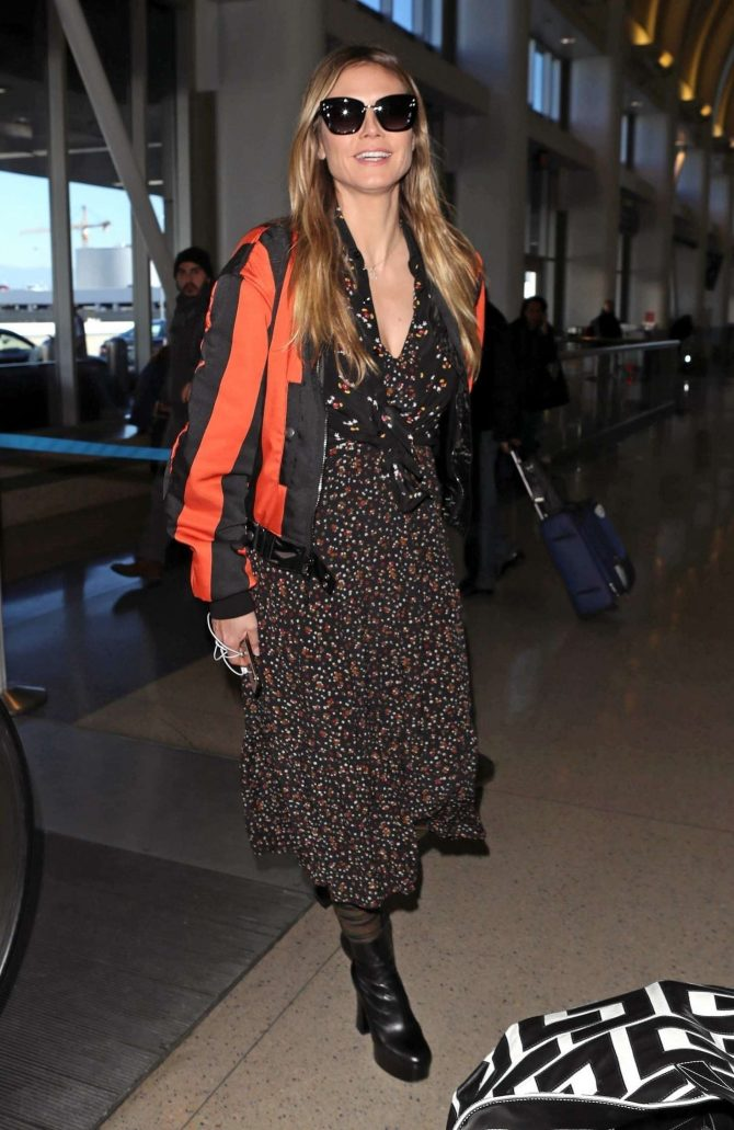 Heidi Klum – Arrives at LAX Airport in Los Angeles