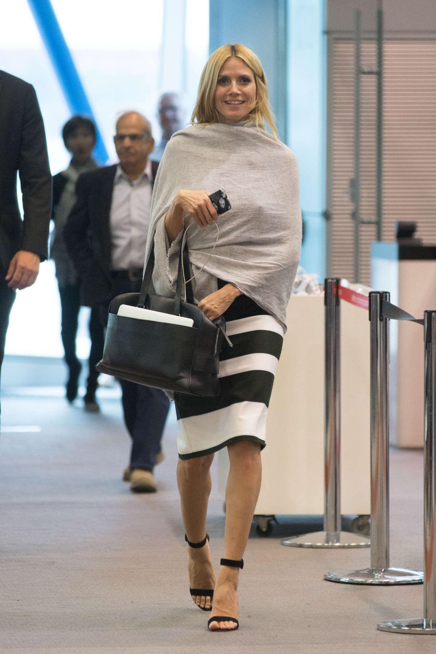 Heidi Klum 2016 : Heidi Klum Arrives at Sydney Airport -01