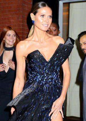 Heidi Klum - Arrives at the amFAR event in New York
