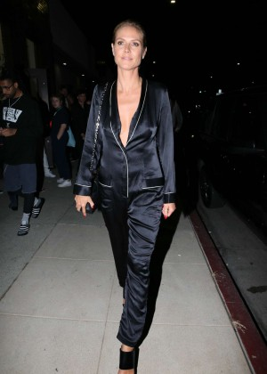 Heidi Klum - Art Gallery Showing at 6817 Melrose Ave in Los Angeles