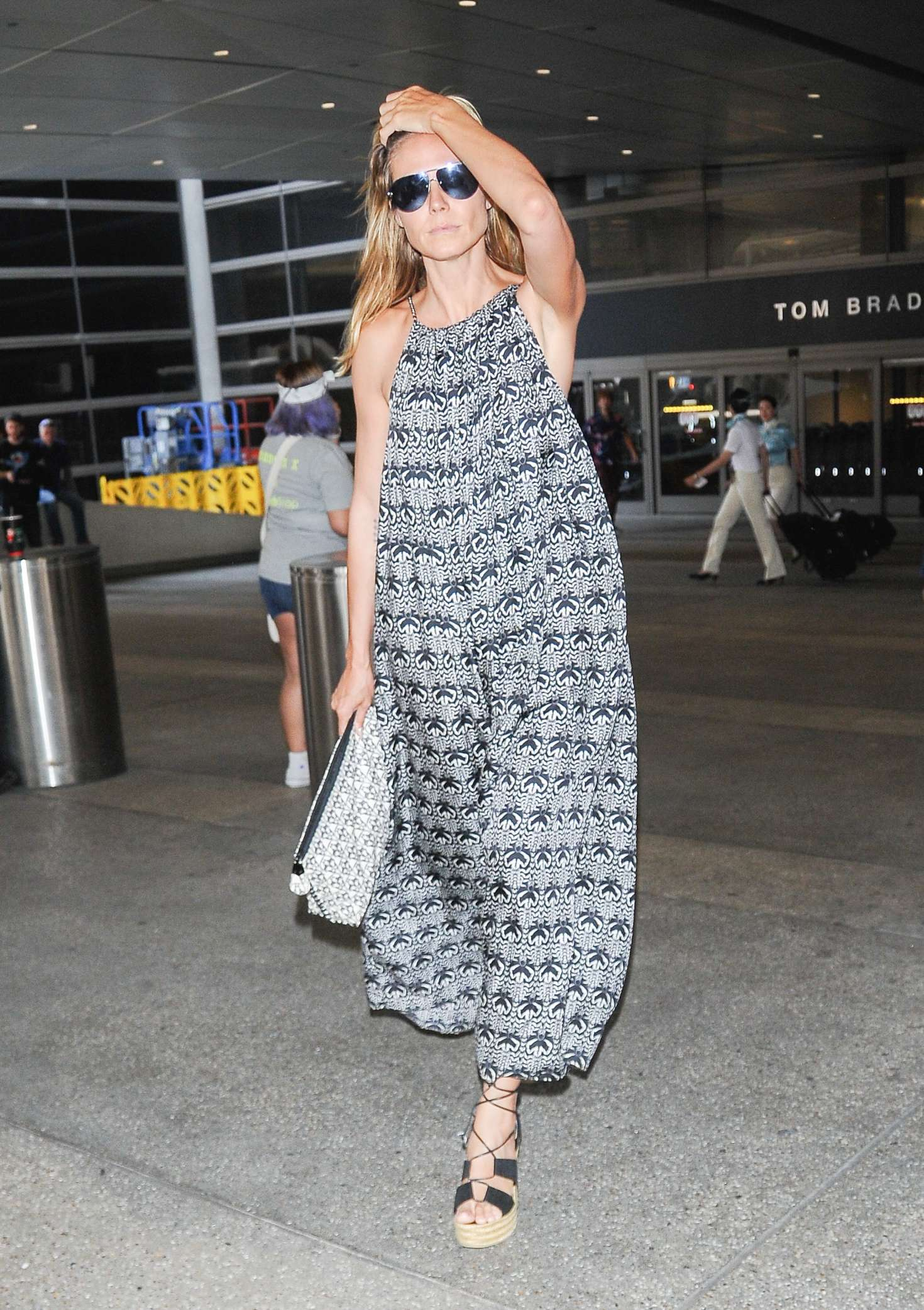 Heidi Klum 2016 : Heidi Klum at LAX Airport -08