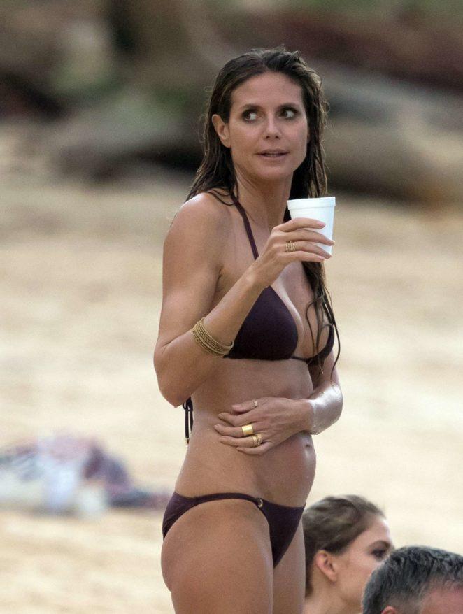 Heidi Klum - Bikini Candids in the Dominican Republic
