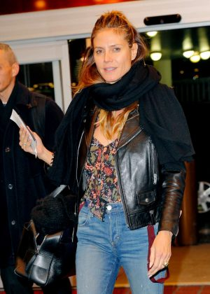 Heidi Klum - Head to the airport in New York