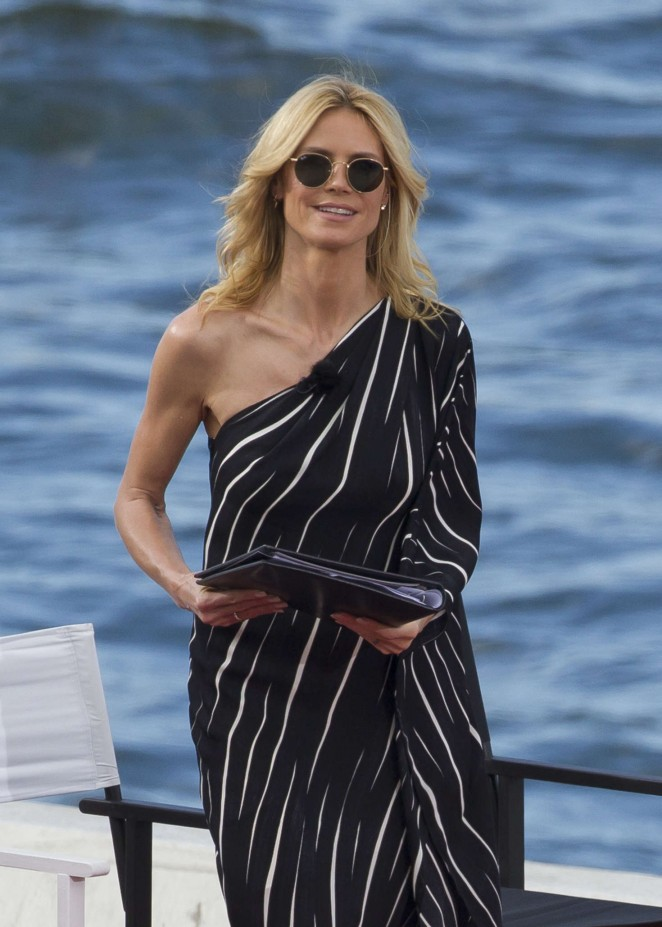 Heidi Klum - Hosts episode of Germany's Next Top model in Sydney Harbour