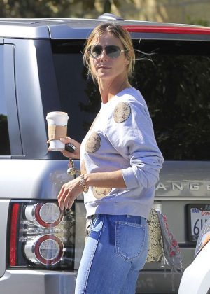 Heidi Klum in Jeans at Starbucks Coffee in Los Angeles