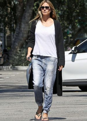 Heidi Klum in Jeans - Out in Beverly Hills