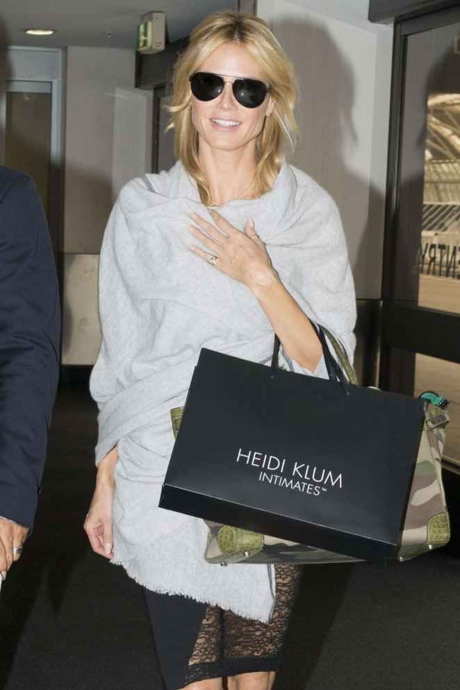 Heidi Klum Leaves Airport in Sydney