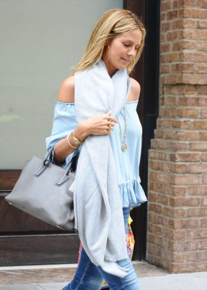 Heidi Klum Leaving her hotel in New York