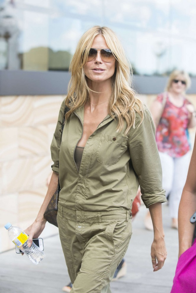 Heidi Klum Out in Sydney Ausralia