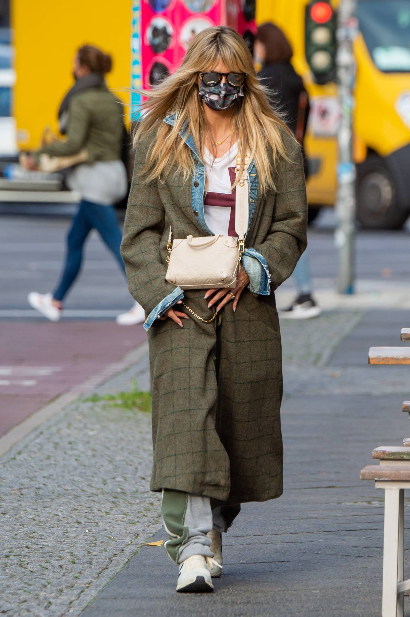 Heidi Klum 2020 : Heidi Klum – Shopping candids in Berlin-02