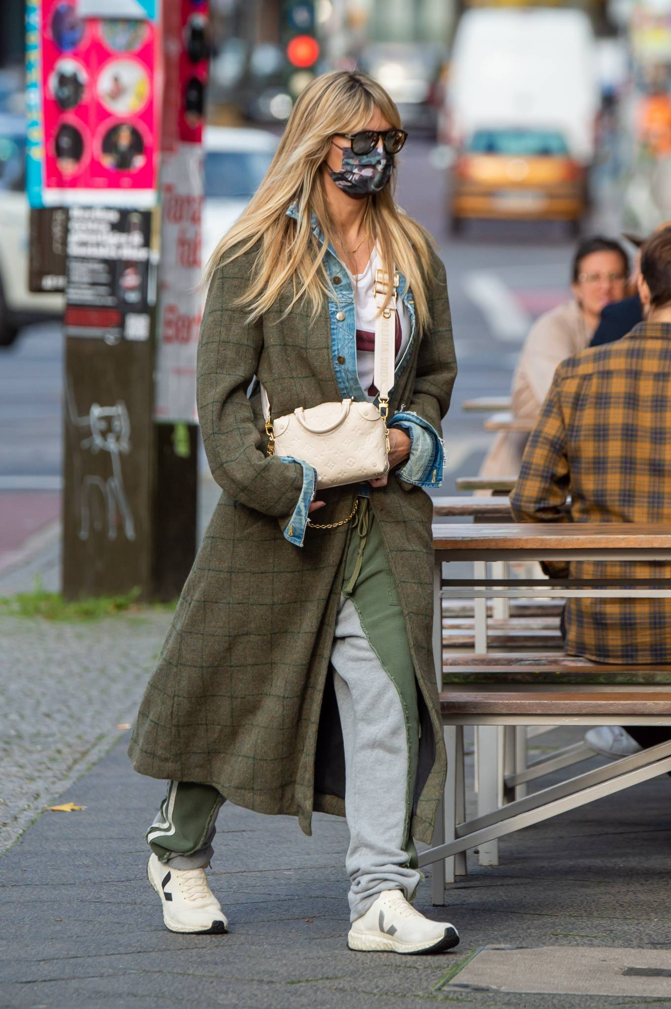 Heidi Klum 2020 : Heidi Klum – Shopping candids in Berlin-15