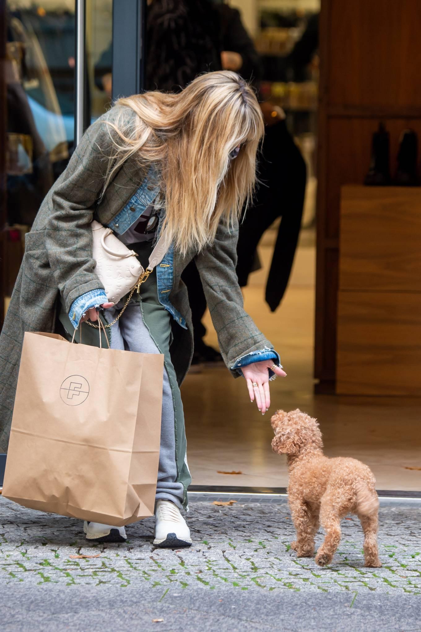 Heidi Klum 2020 : Heidi Klum – Shopping candids in Berlin-16