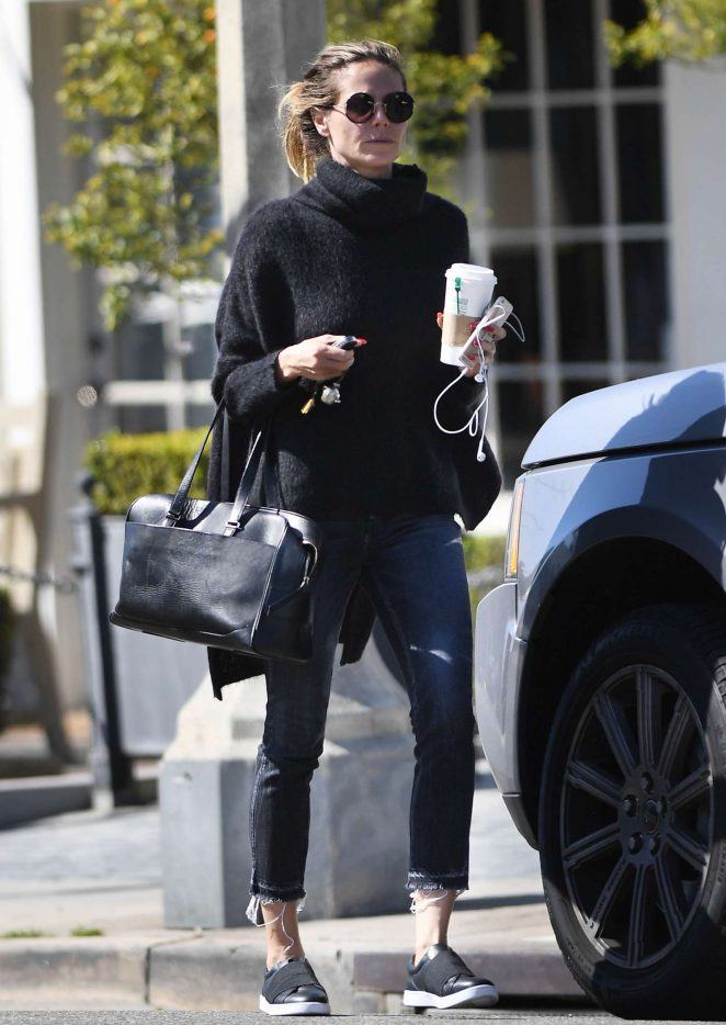 Heidi Klum treats herself to a microdermabrasion facial -08