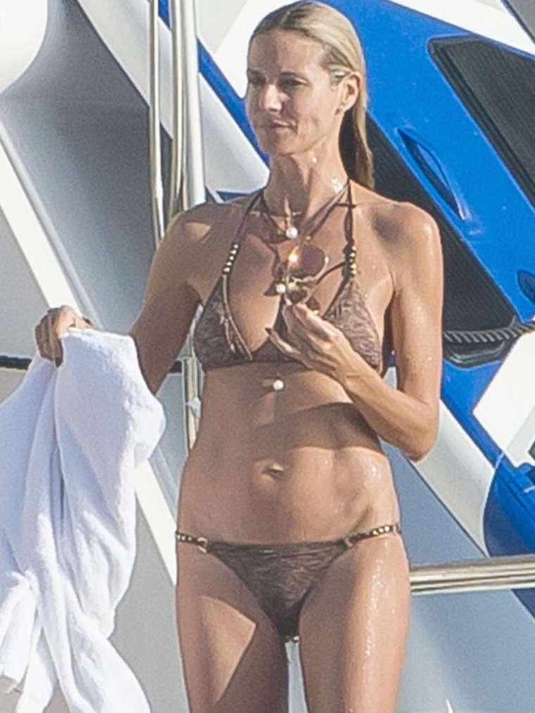 Heidi Klum 2015 : Heidi Klum in Bikini -01