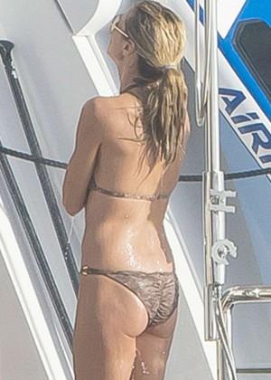Heidi Klum in Bikini -04