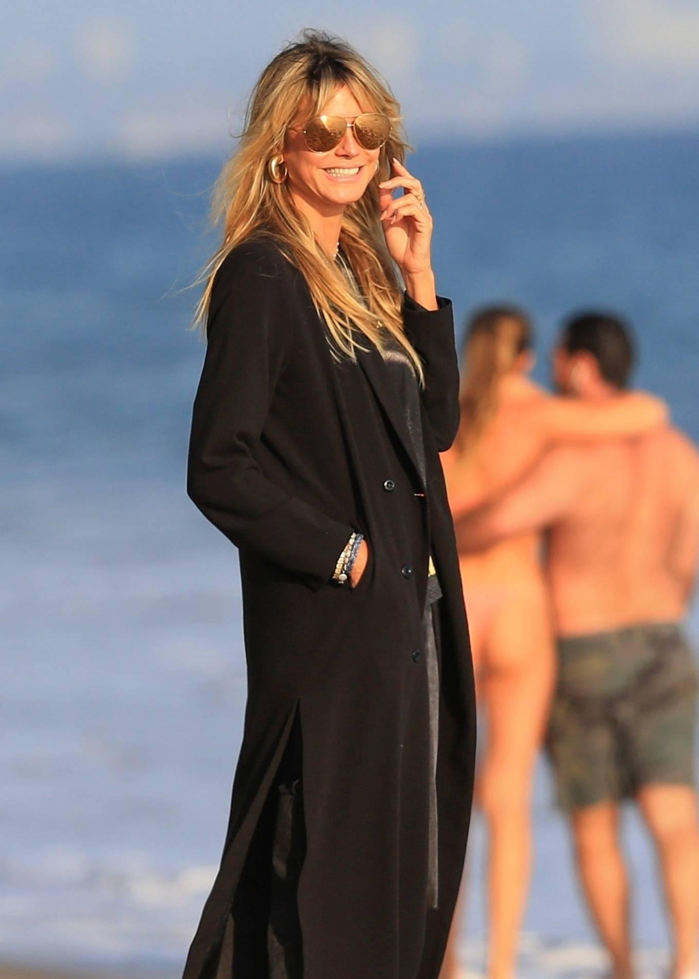 Heidi Klum with her family on the beach in Malibu