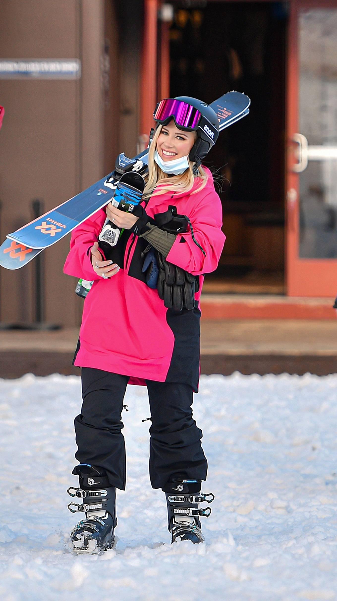Heidi Montag - Goes skiing as they film 'The Hills: New Beginnings' in Lake Tahoe