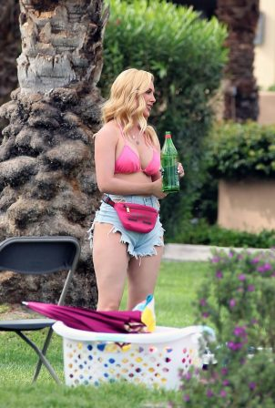 Heidi Montag - on set of 'The Hills New Beginnings' in La Quinta
