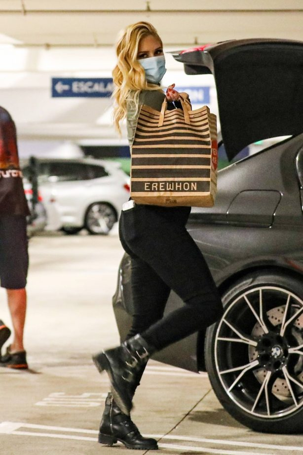 Heidi Montag - Pictured at Erewhon in Pacific Palisades