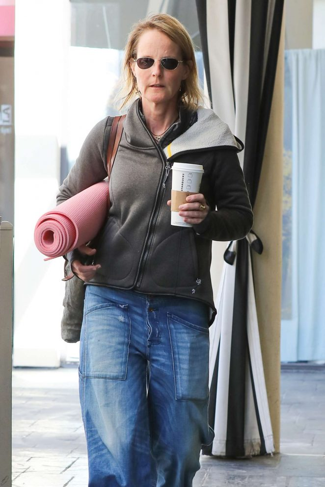 Helen Hunt - Heading to a yoga session in Brentwood