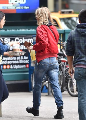 Helen Hunt Leaving a Starbucks in Manhattan