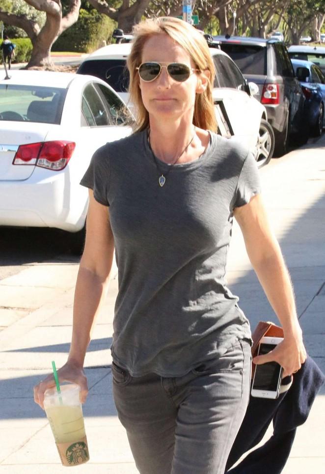 Helen Hunt - Leaving Starbucks in LA