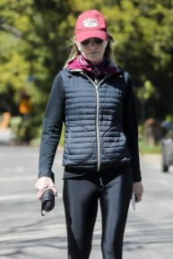 Helen Hunt - Out for a walk in Brentwood