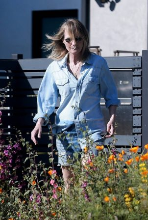 Helen Hunt - Visiting her ex Matthew Caranahan in Santa Monica