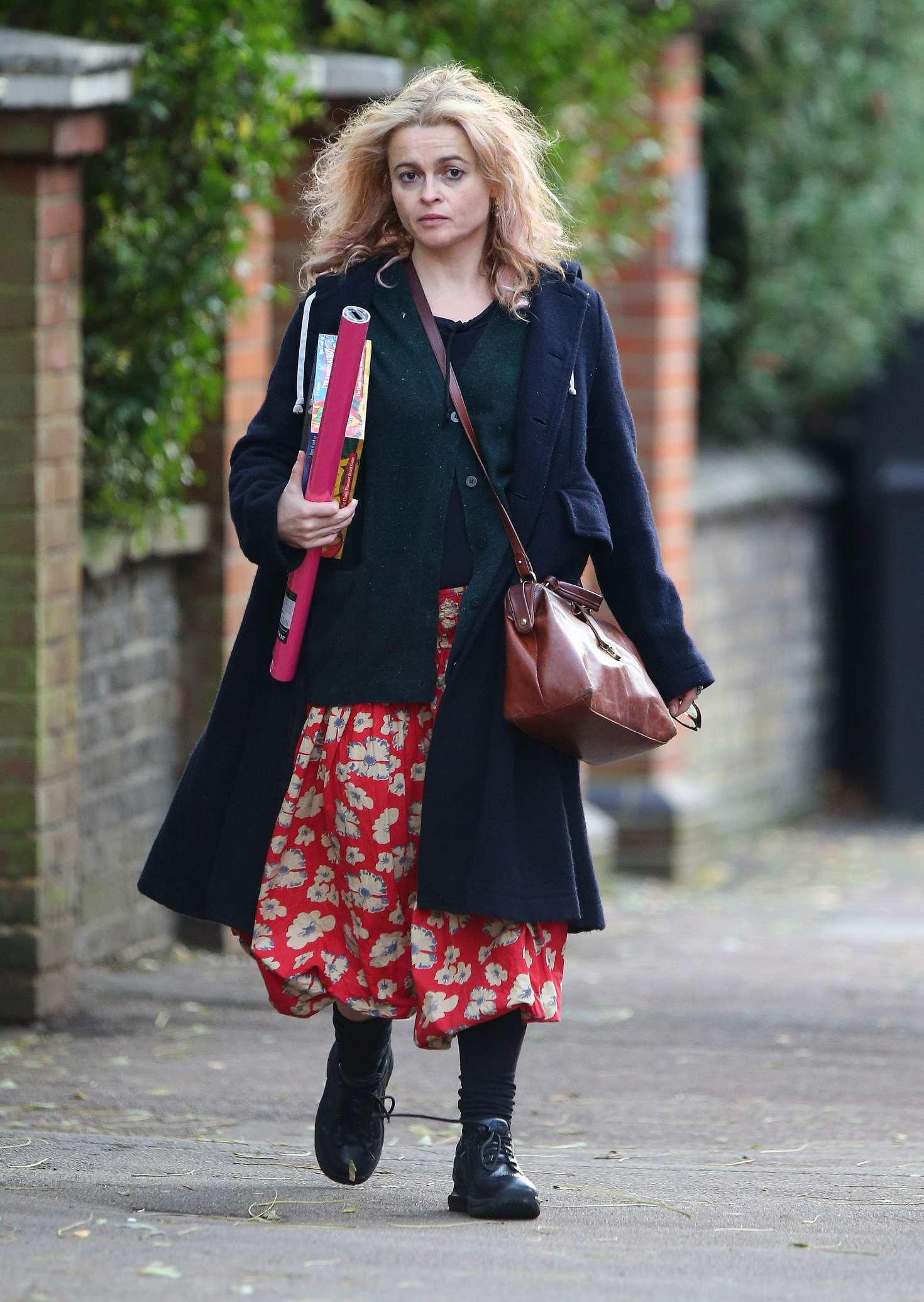 Helena Bonham Carter 2016 : Helena Bonham Carter: Christmas Shopping in London -04