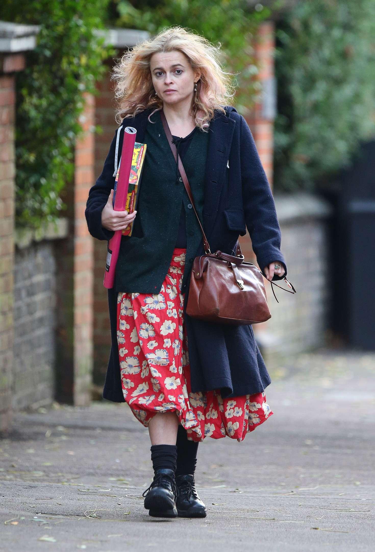 Helena Bonham Carter 2016 : Helena Bonham Carter: Christmas Shopping in London -06