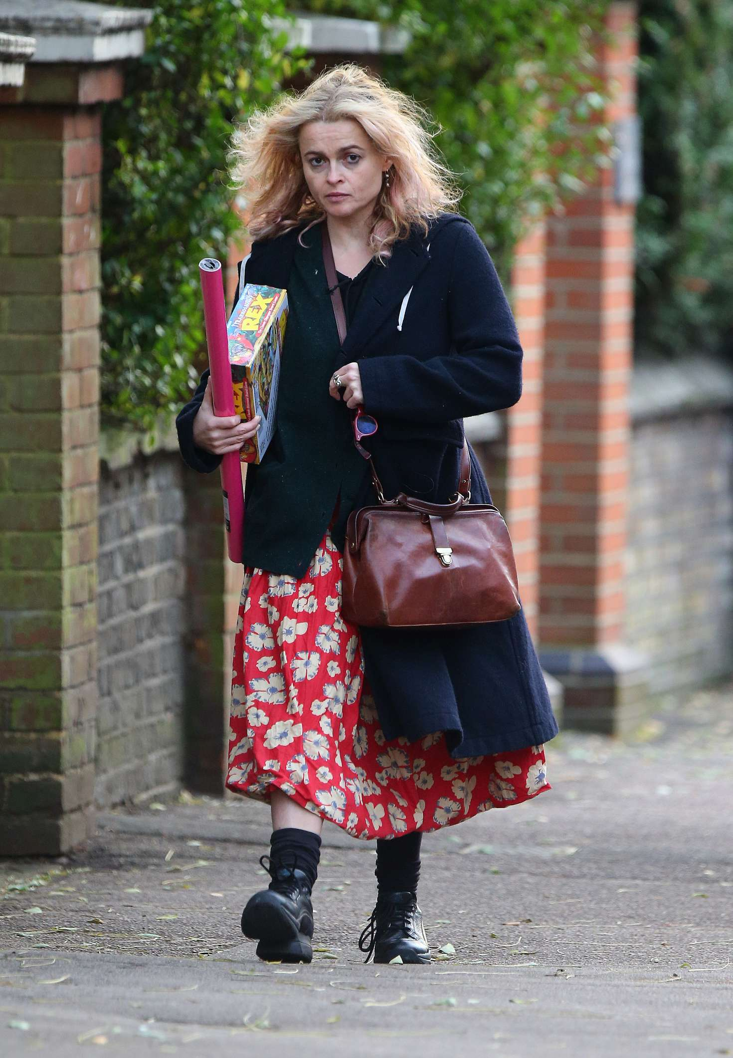 Helena Bonham Carter 2016 : Helena Bonham Carter: Christmas Shopping in London -08