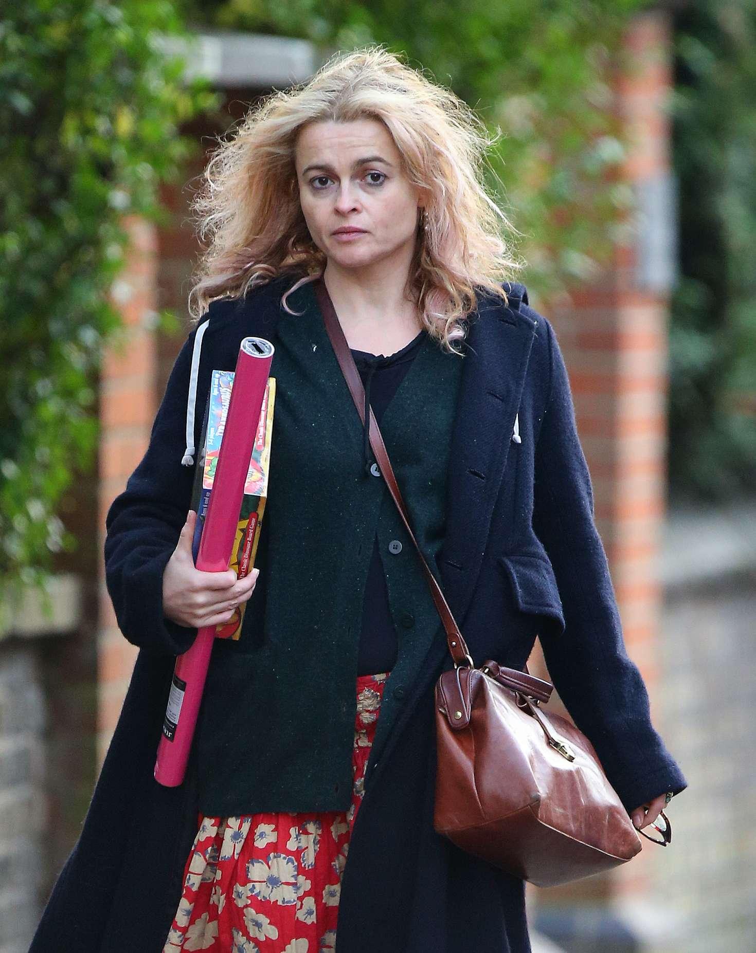 Helena Bonham Carter 2016 : Helena Bonham Carter: Christmas Shopping in London -09