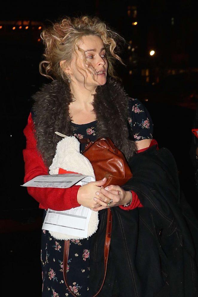 Helena Bonham Carter: Returns home in New York -01