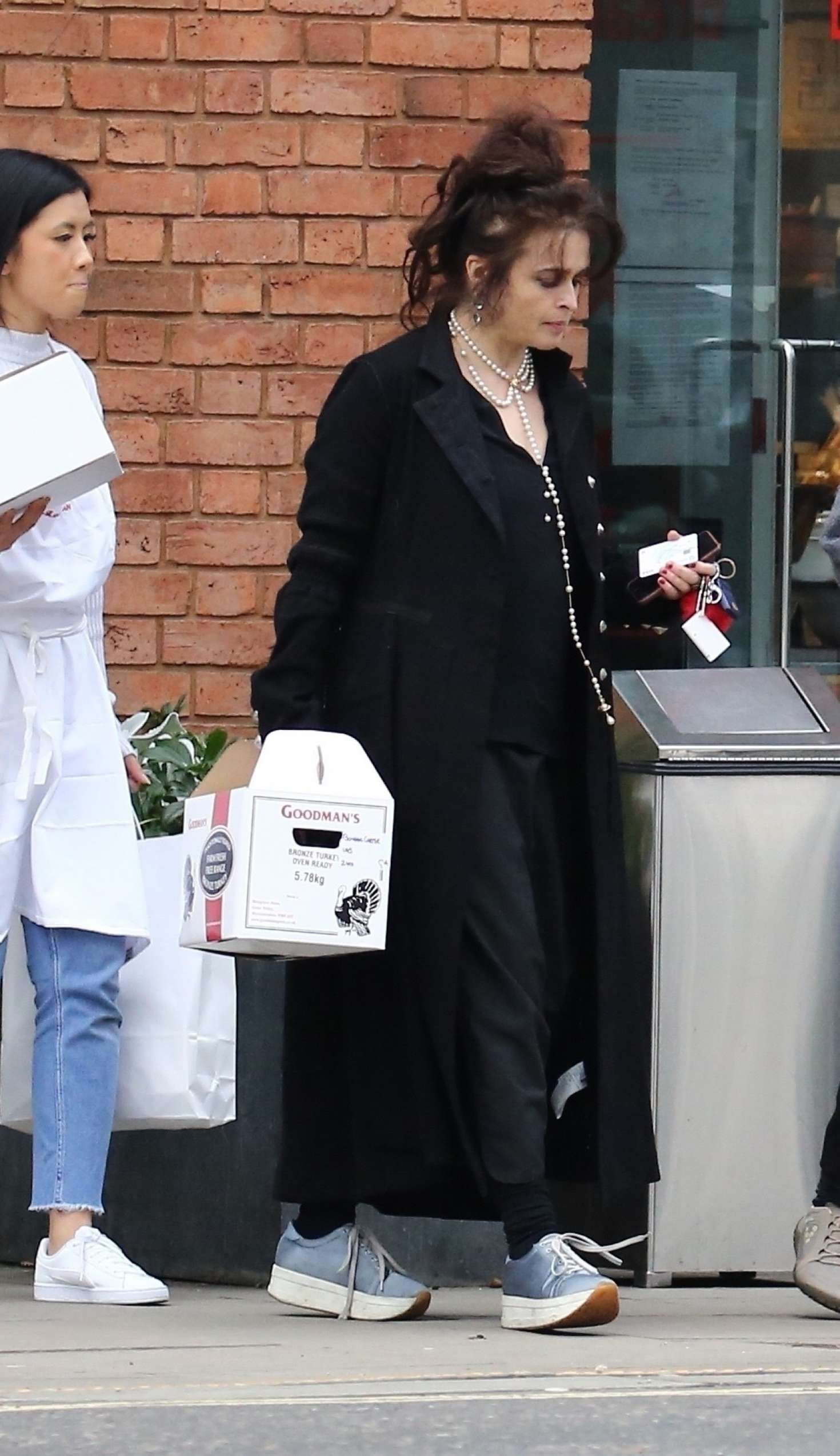 Helena Bonham Carter 2017 : Helena Bonham Carter: Shopping in London -30