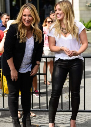 Hilary and Haylie Duff On 'Extra' in LA