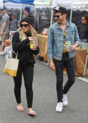 Hilary Duff and Matthew Koma - Visit the farmers market in Los Angeles