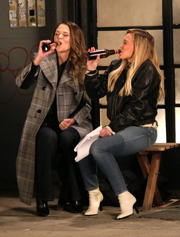 Hilary Duff and Sutton Foster - Filming 'Younger' in NYC