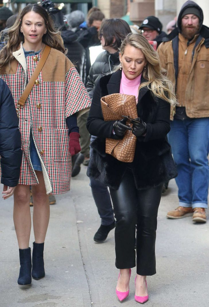 Hilary Duff and Sutton Foster - On the set of 'Younger' in New York