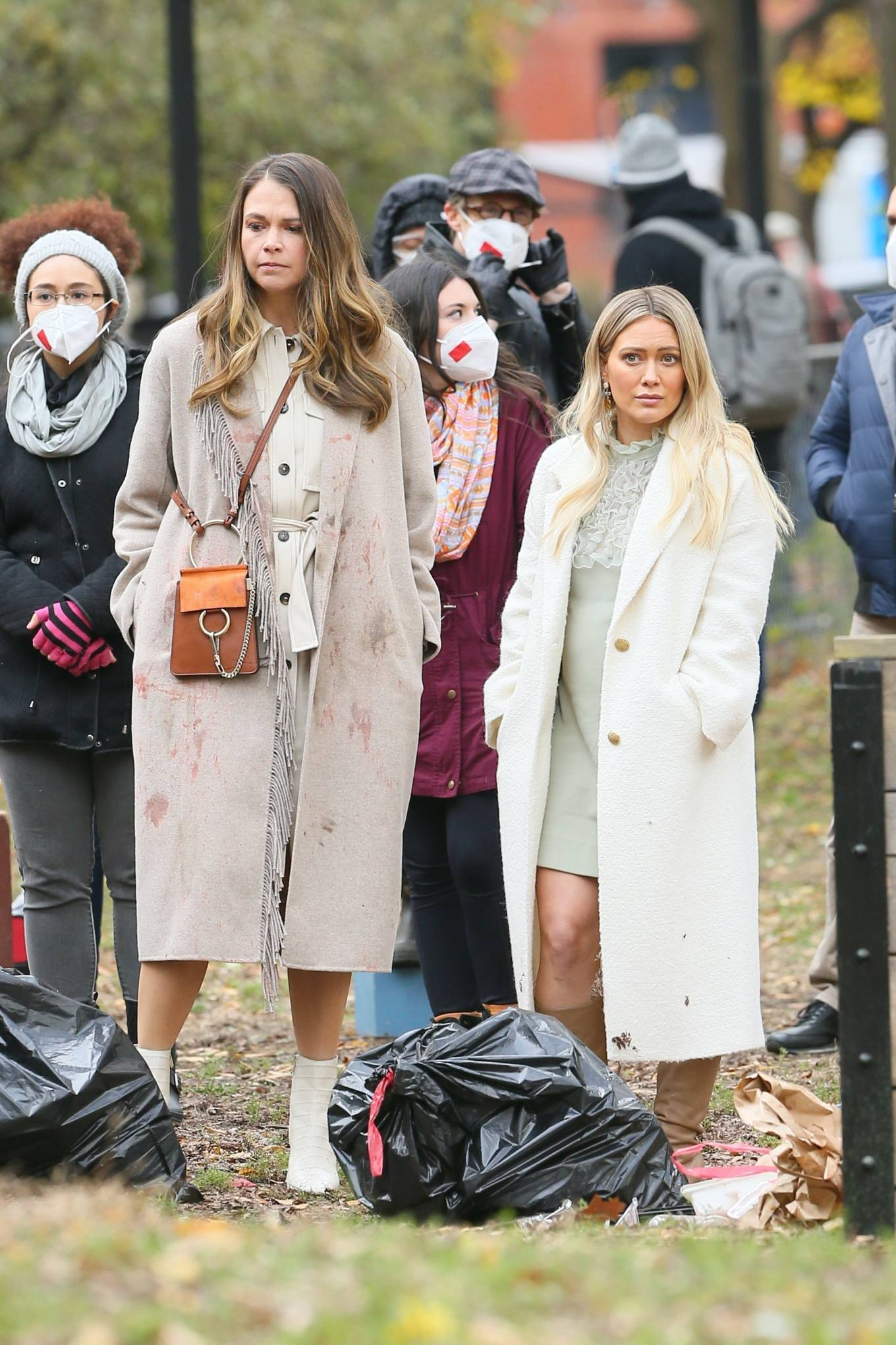 Hilary Duff 2020 : Hilary Duff and Sutton Foster – on the set of Younger in NYC-01