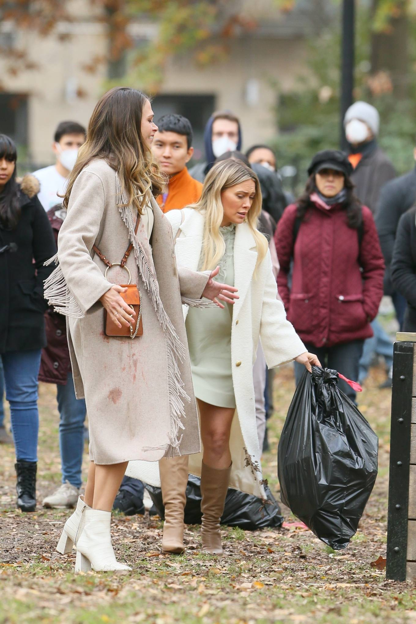 Hilary Duff 2020 : Hilary Duff and Sutton Foster – on the set of Younger in NYC-02