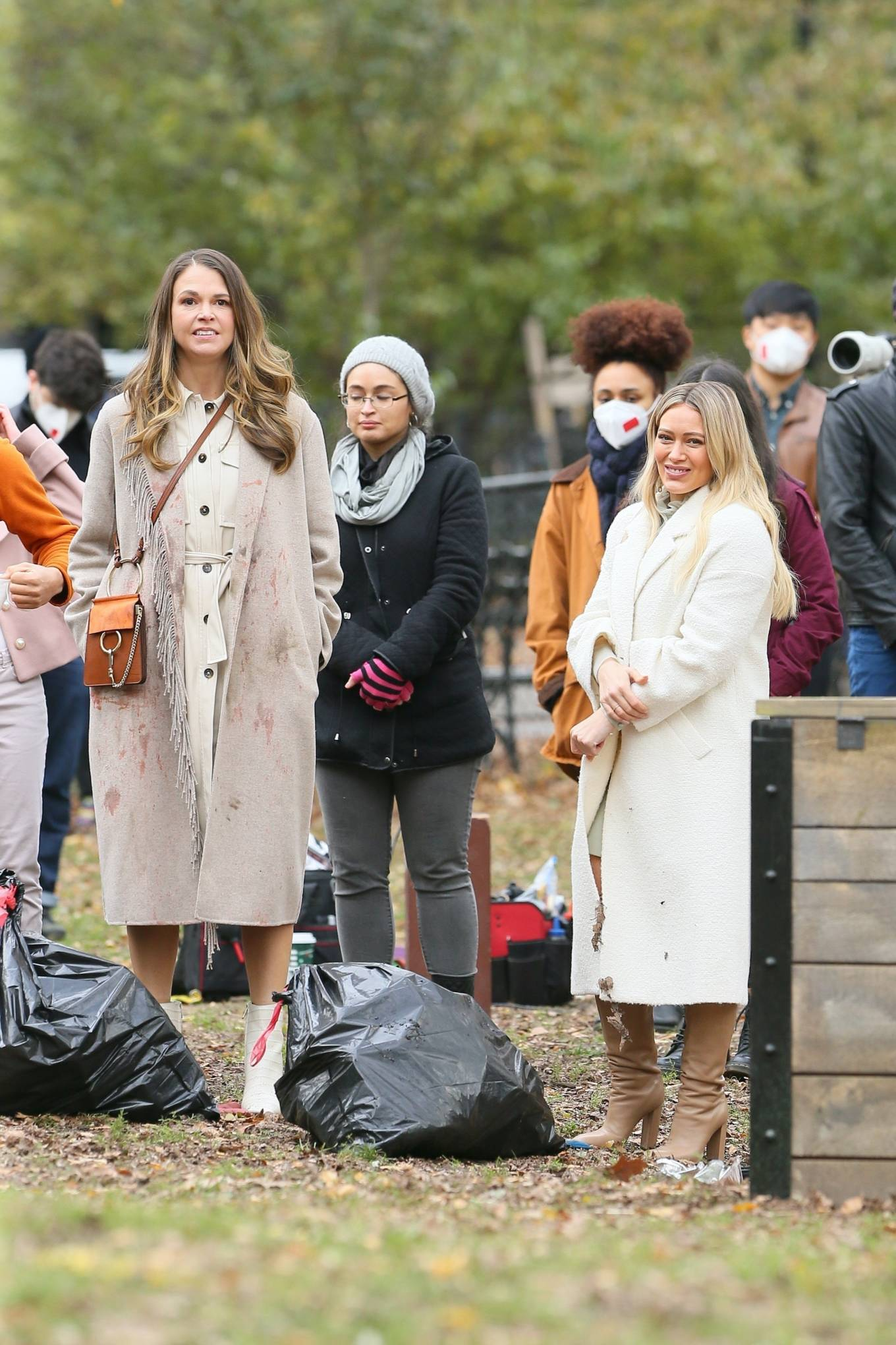 Hilary Duff 2020 : Hilary Duff and Sutton Foster – on the set of Younger in NYC-04