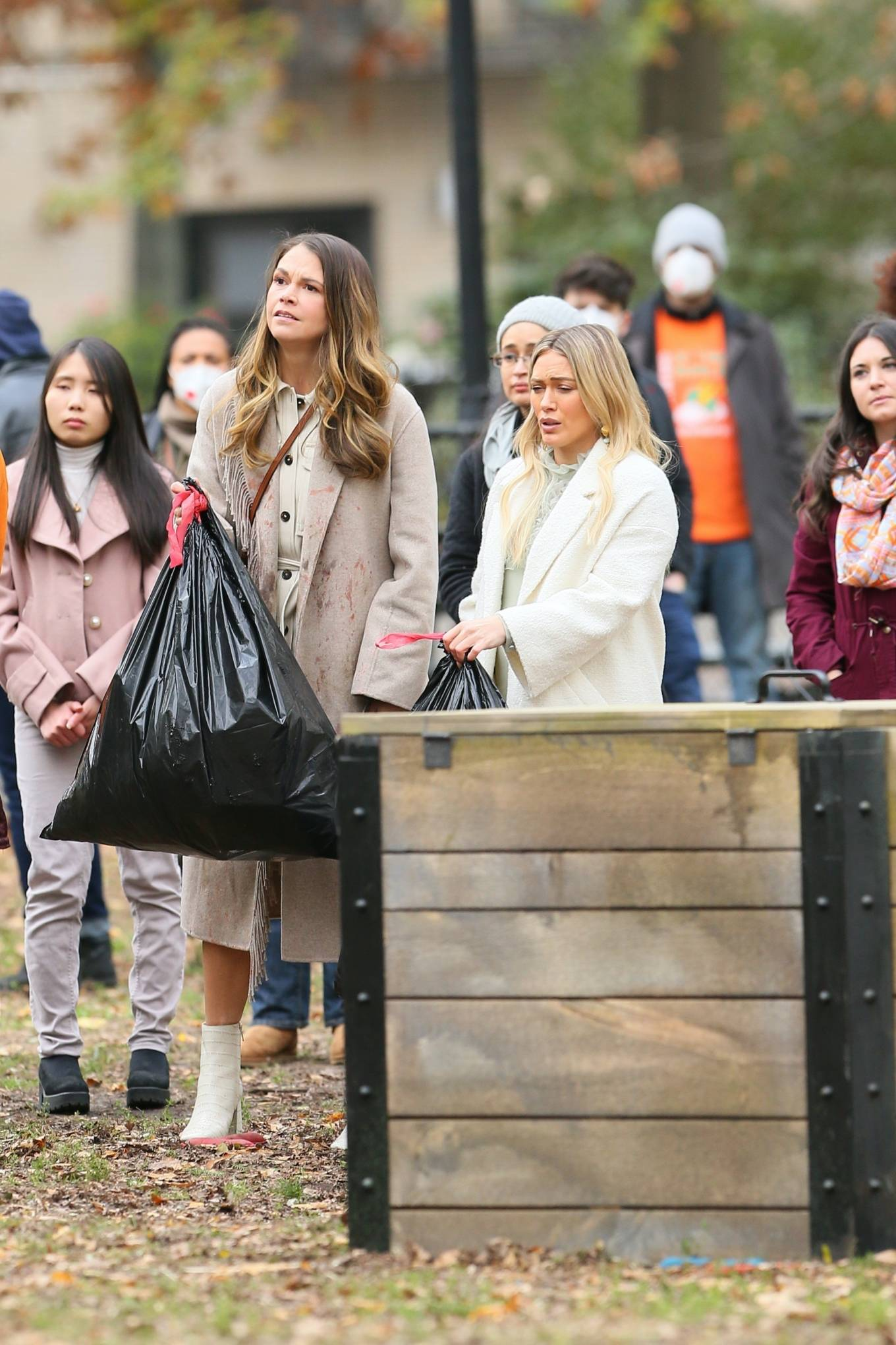 Hilary Duff 2020 : Hilary Duff and Sutton Foster – on the set of Younger in NYC-05