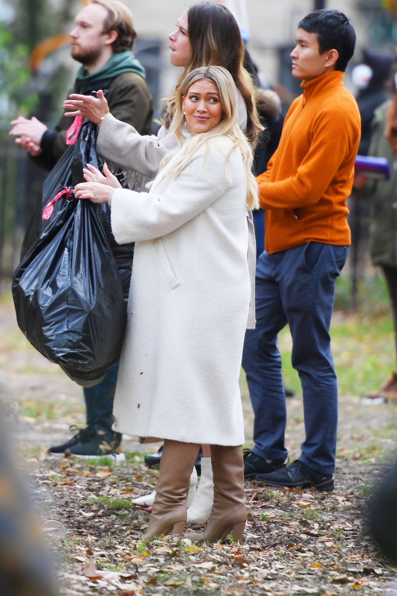 Hilary Duff 2020 : Hilary Duff and Sutton Foster – on the set of Younger in NYC-06