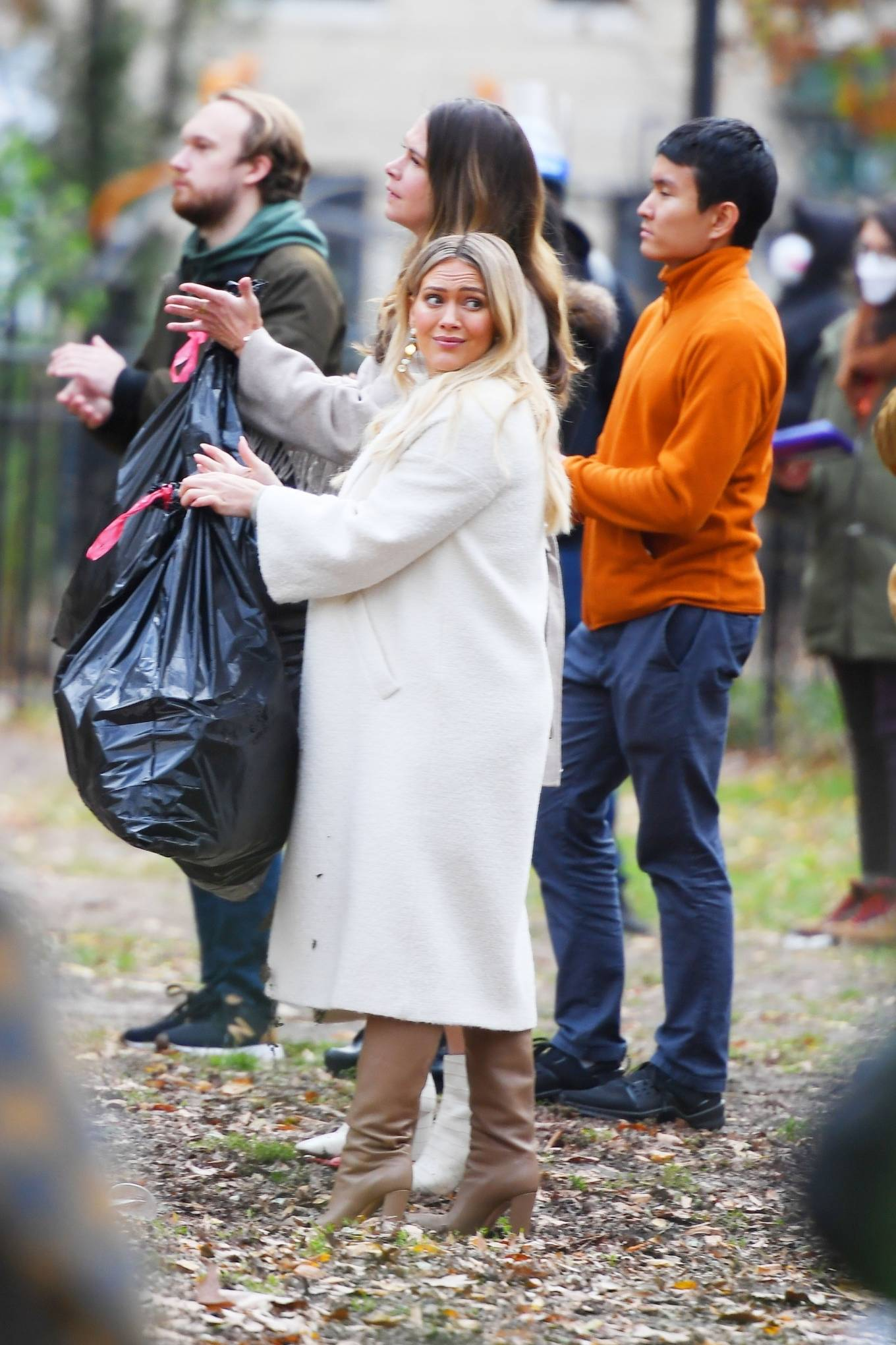 Hilary Duff 2020 : Hilary Duff and Sutton Foster – on the set of Younger in NYC-09