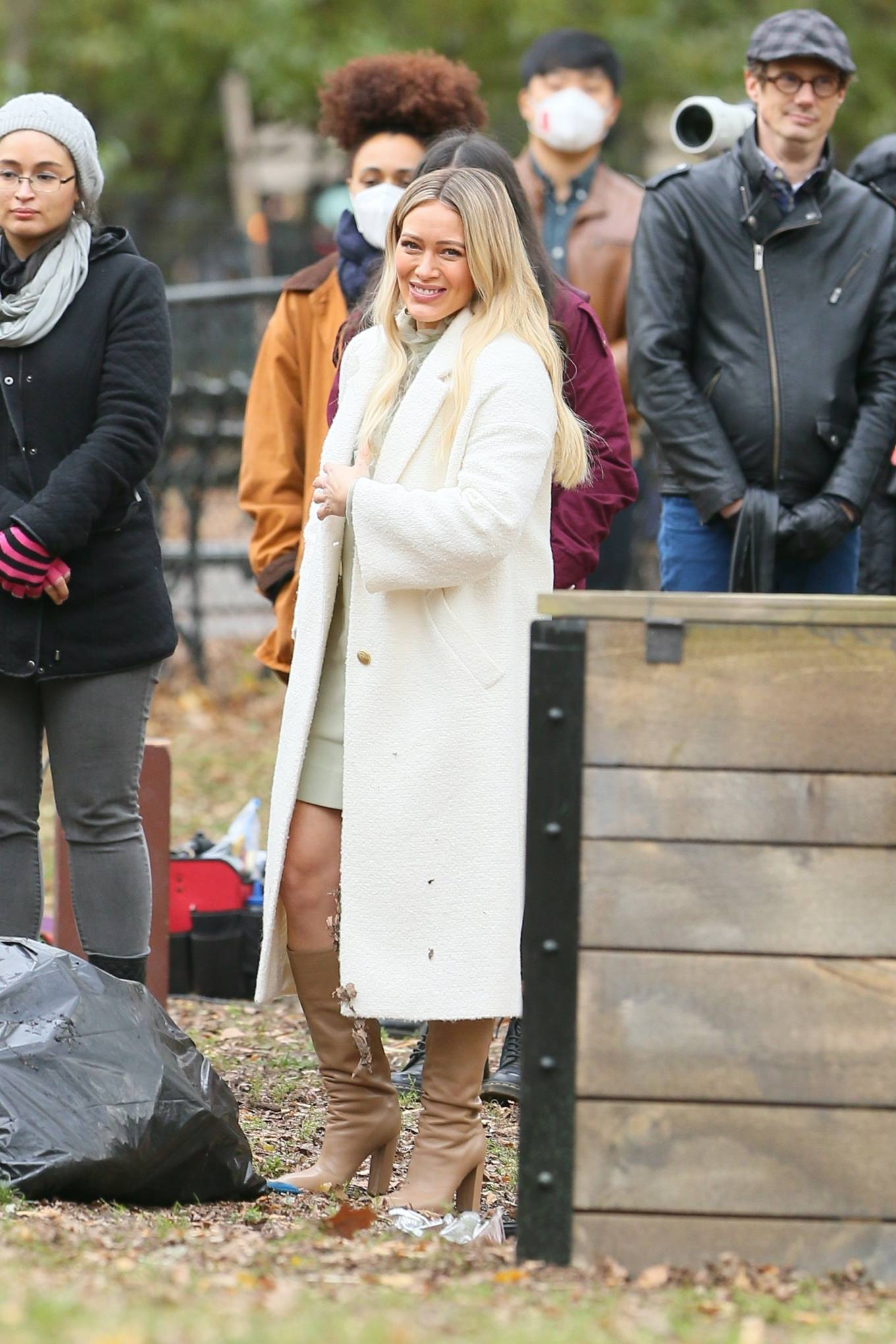 Hilary Duff 2020 : Hilary Duff and Sutton Foster – on the set of Younger in NYC-12