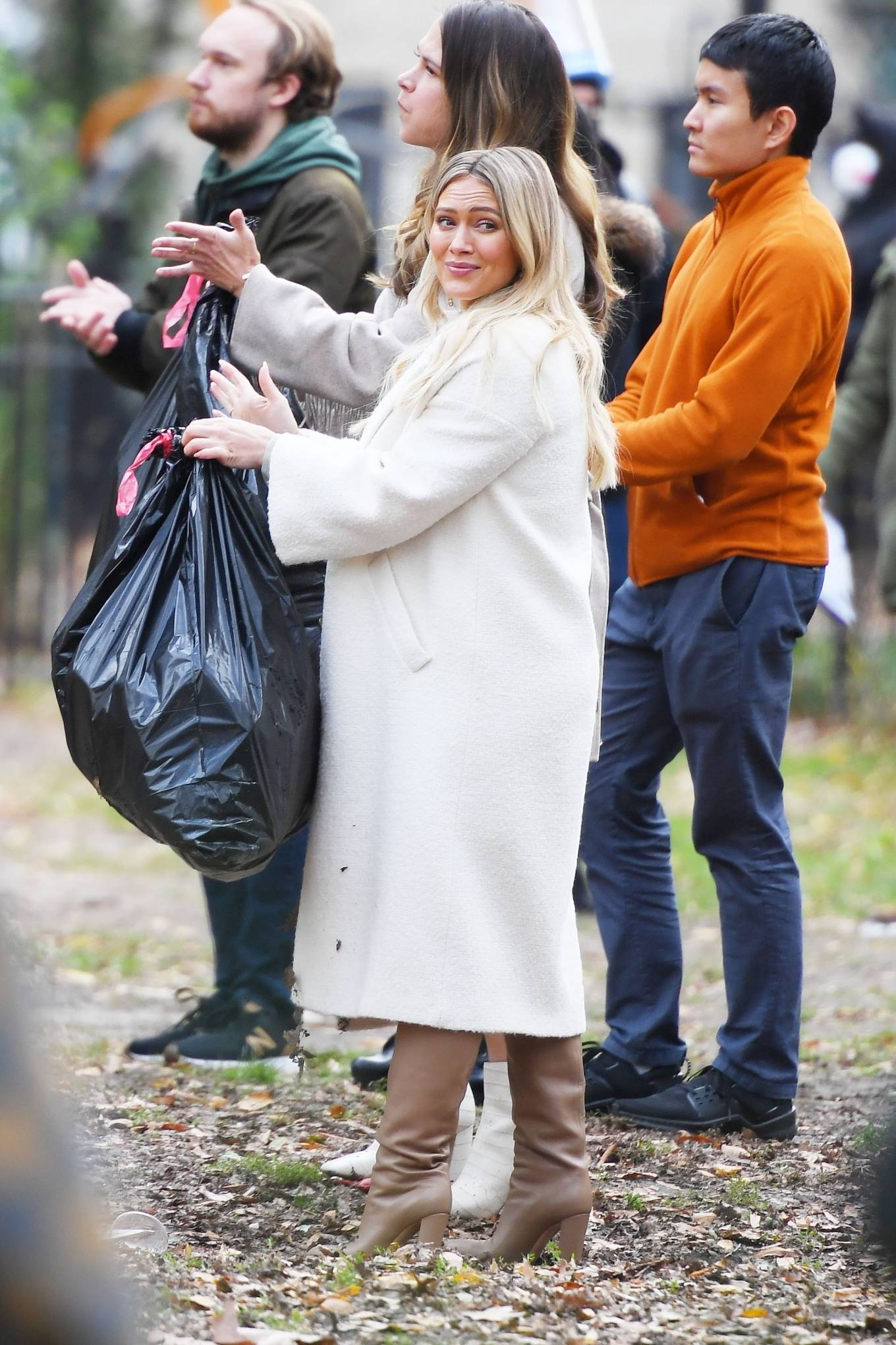 Hilary Duff 2020 : Hilary Duff and Sutton Foster – on the set of Younger in NYC-15