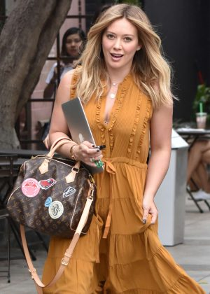 Hilary Duff - Arrives For an Appointment at 901 Hair Salon in LA