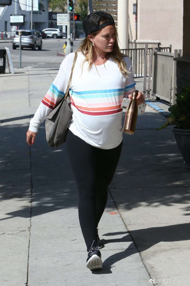 Hilary Duff - Arriving at a gym in Studio City